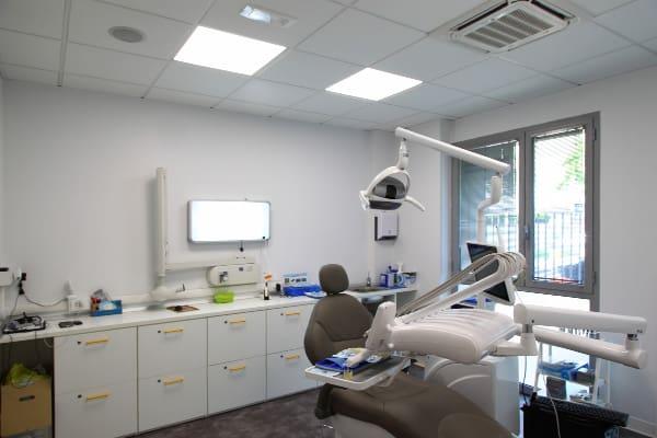 Realizzazione studi dentistici Riunito